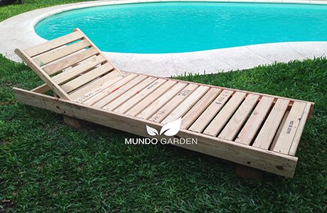 Camastro de madera reciclada mundo garden for Camastros de hierro para jardin